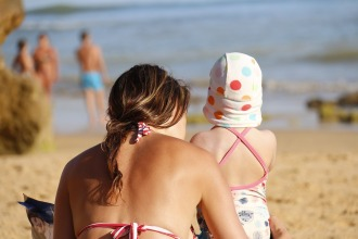 mother-and-daughter-1005921_960_720